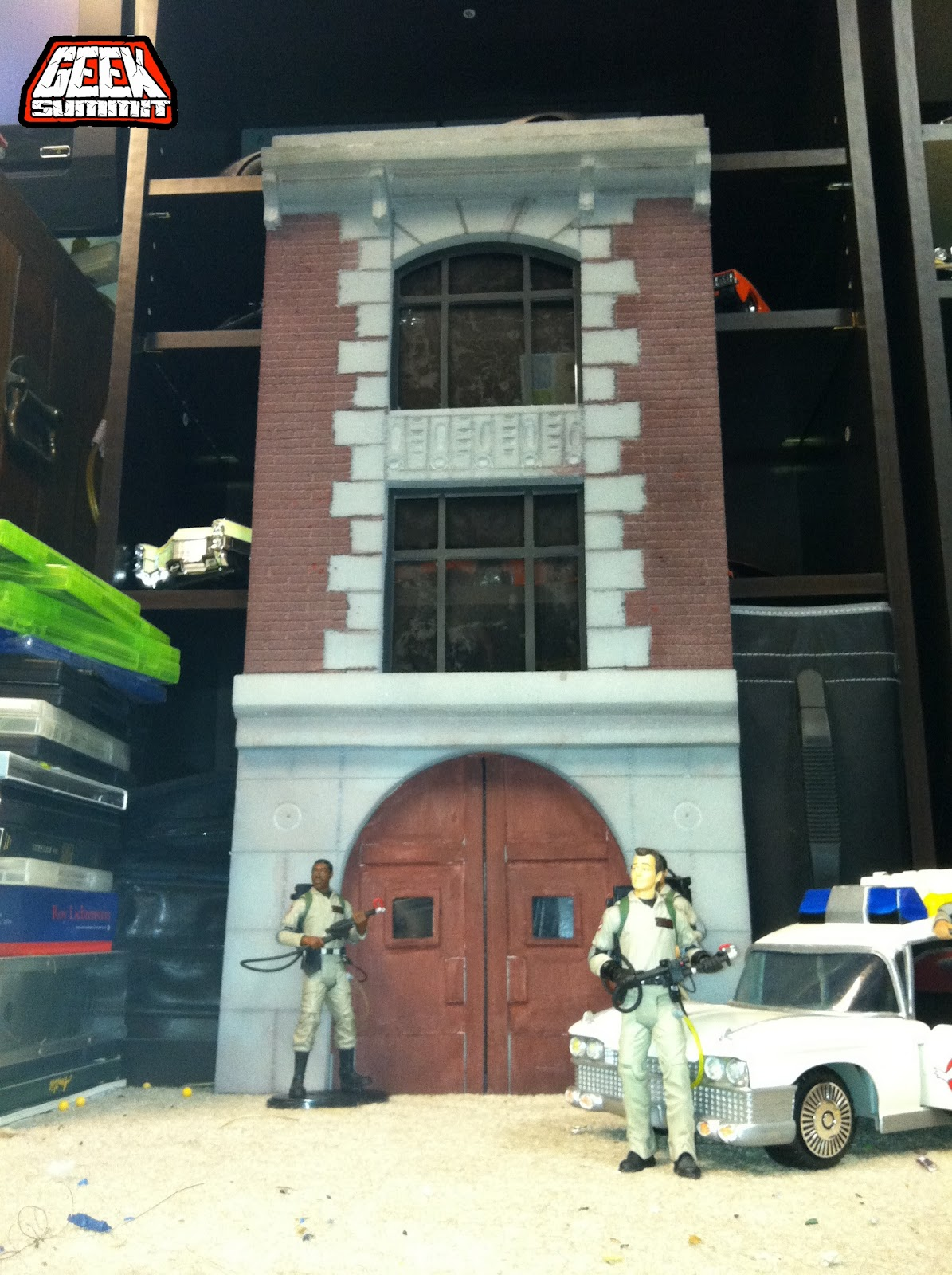 Fan creation: Ghostbusters firehouse for Mattel figures
