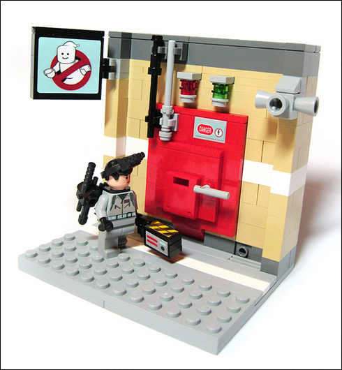 Fan Creation: Lego Containment Grid