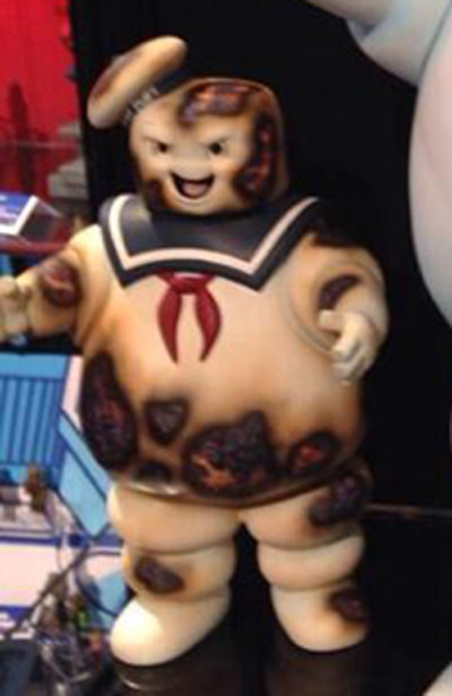 "New York Toy Fair: Diamond Select Toys show off their 24-inch Stay Puft + new ""burnt"" 11-inch variant"