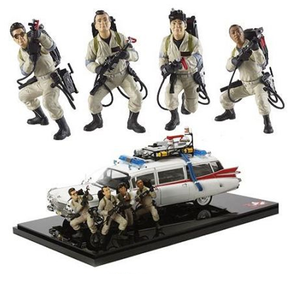 Closer look at Mattel's 1:18 scale Ecto-1 + figures